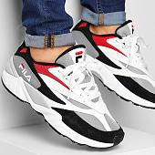 /achat-baskets-basses/fila-baskets-v94m-low-1010718-008-black-white-fila-red-188050.html